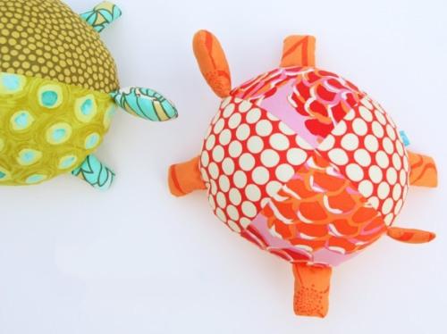 Игрушки своими руками для детей и взрослых. Как сделать из подручных материалов, выкройки для начинающих