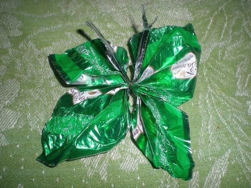 Поделки из фантиков от конфет своими руками для детей 4-5 лет фото 855