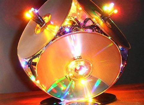 podelki-iz-diskov-1 Какие поделки из дисков можно сделать своими руками? 100 радужных идей