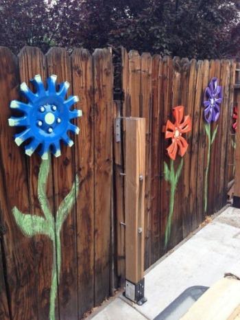 Своими руками из ненужных вещей: двор, сад, огород. Креативные идеи. Пошаговые инструкции