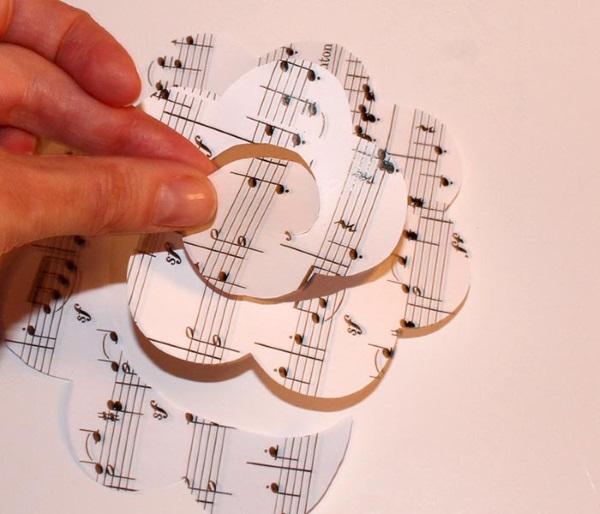 Как сделать розу из бумаги, салфетки, оригами из гофробумаги, фольги, денег, картона