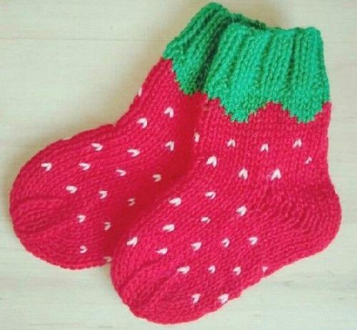 Красивые носочки спицами со схемами для детей. Мастер класс вязания с рисунком, узором