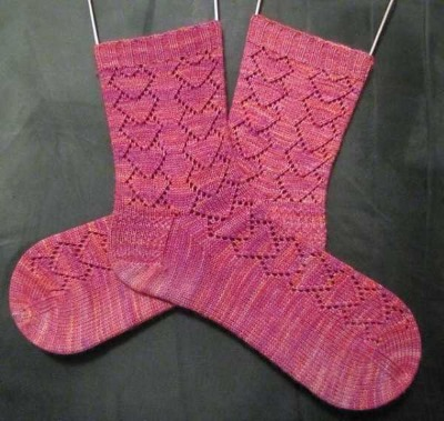 Вязание спицами, ажурные узоры. Схемы с описанием: круговое, кофты, шарфы, носки. Образцы для начинающих