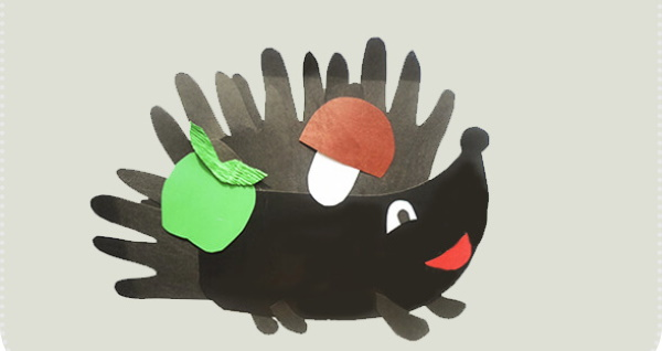 Аппликации из ладошек из цветной бумаги для детей: осеннее дерево, ежик, павлин, цветы
