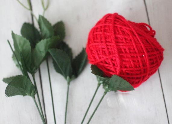 Букет из ниток для вязания своими руками для рукодельниц, бабушки. Описание, мастер-классы