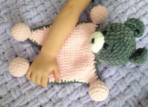 Комфортеры для новорожденных своими руками крючком, спицами. Выкройки с размерами, схемы, описание
