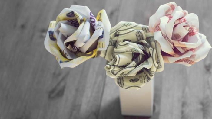 Оригинальные букеты не из цветов. Как сделать из еды, сладостей